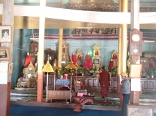 Inle Lake monasterio